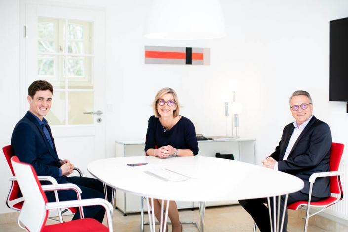 Teambesprechung in der Steuerkanzlei Dietloff und Oettinger in Starnberg